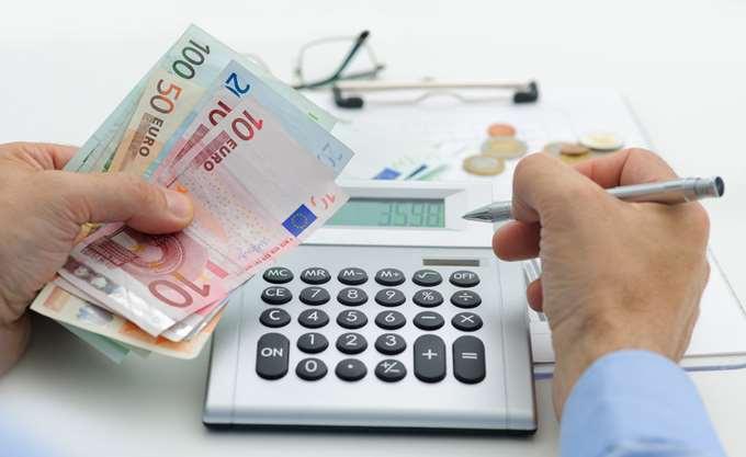 Τι προβλέπει η ρύθμιση για τα Tαμεία. Το νέο πλαίσιο περί των 120 δόσεων για τα χρέη θα αφορά περίπου 950.000 οφειλέτες